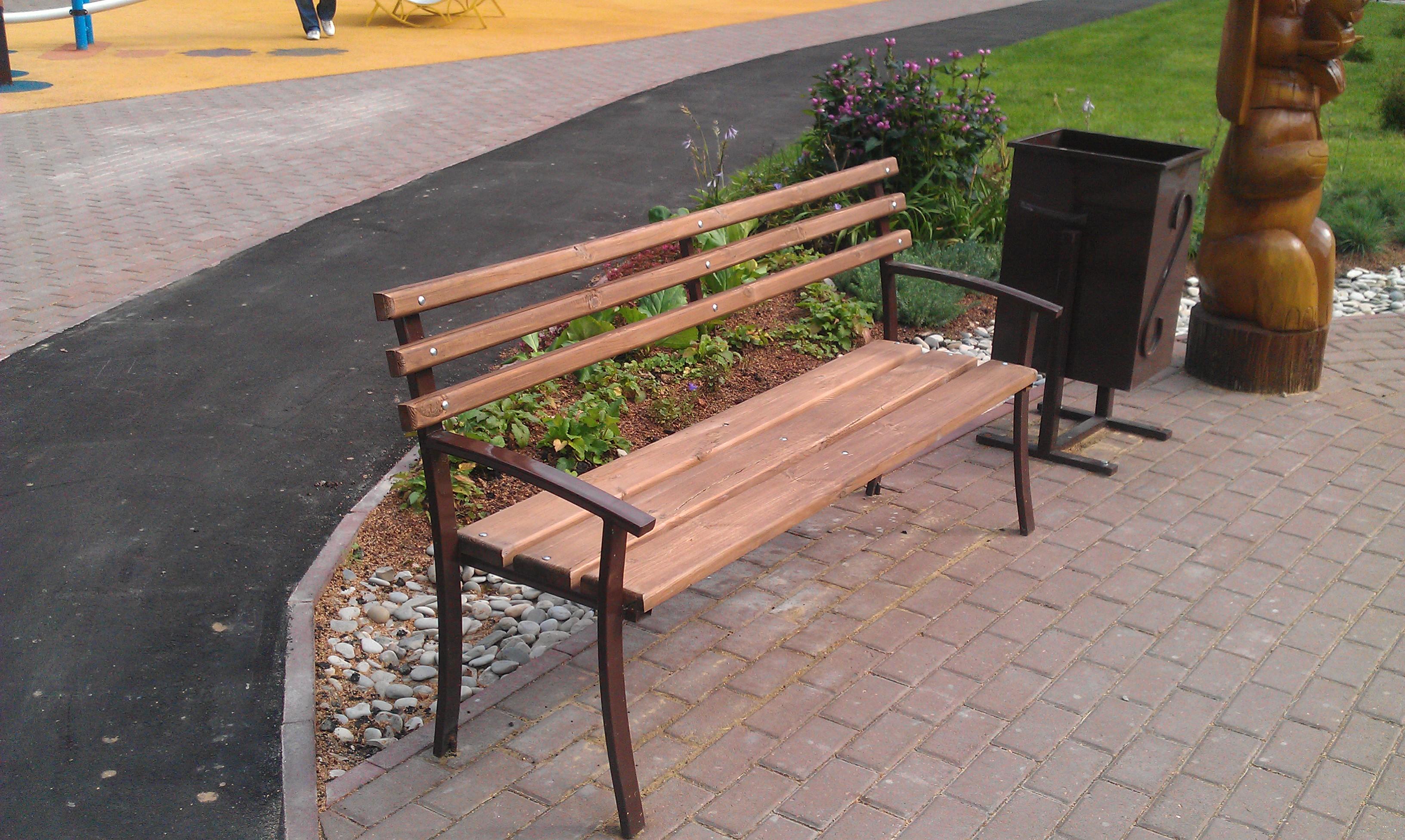 Как самому сделать уличную скамейку со спинкой